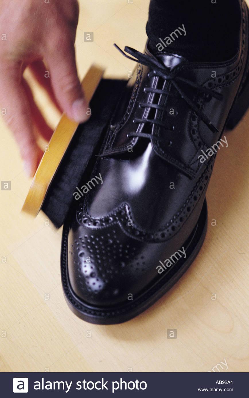 Lucidatura Delle Scarpe Immagini & Lucidatura Delle Scarpe