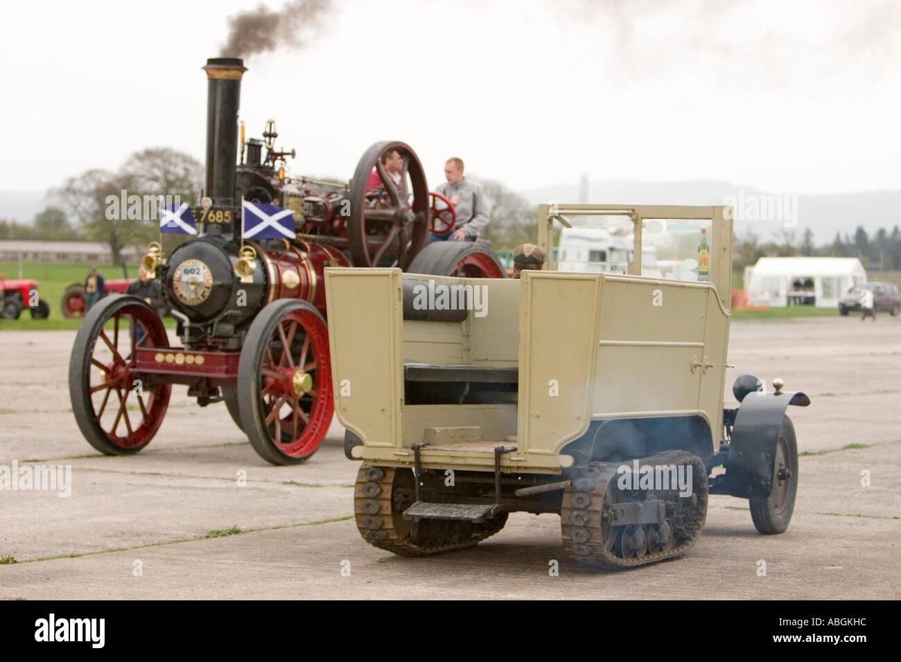 Il Vapore A Mezza Via Veicolo Con 1914 Clayton E Shuttleworth Red Admiral Full Size Trazione Motore