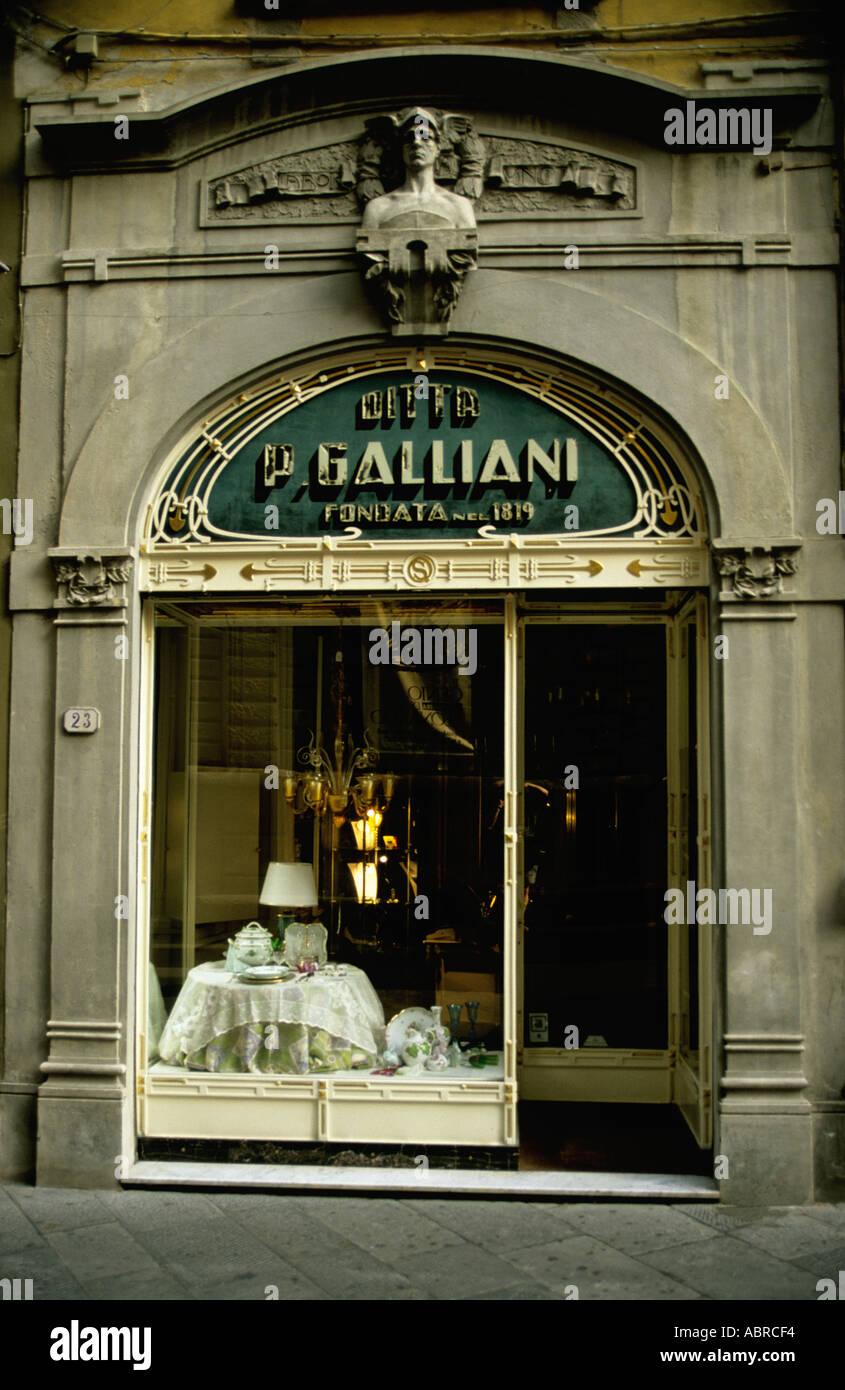 Art Nouveau (Stile Liberty) negozio anteriore - Lucca Toscana Italia Immagini Stock