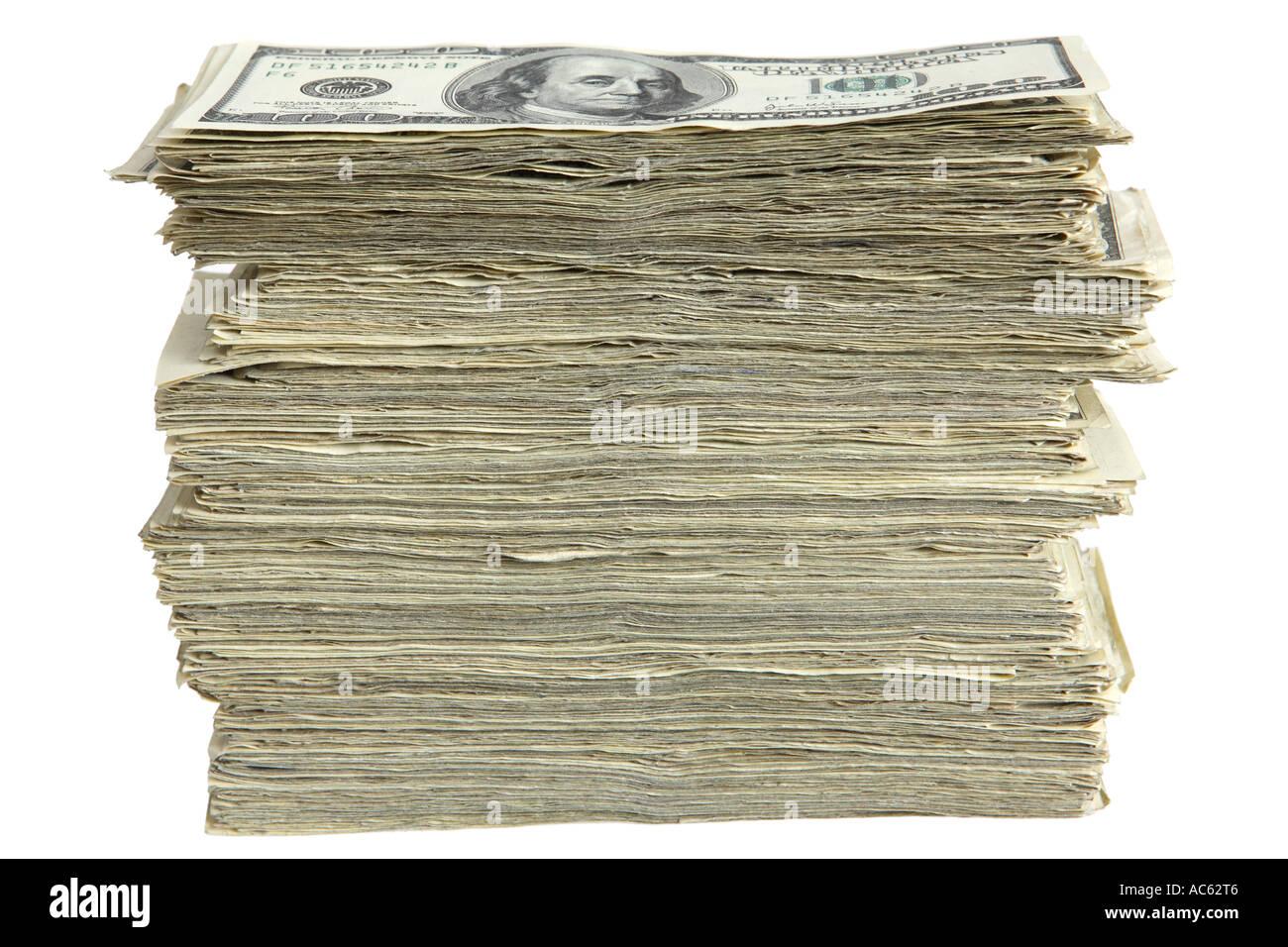 Vista laterale del grande pila di denaro contante Foto Stock