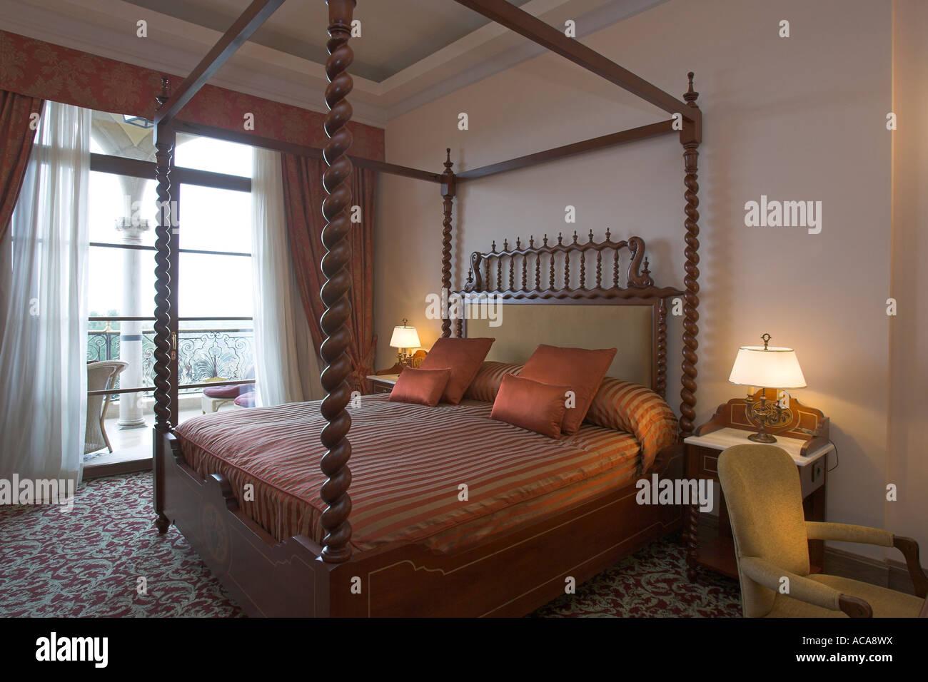 Camere Con Letto A Baldacchino : Camere d albergo con letto a baldacchino immagini camere d