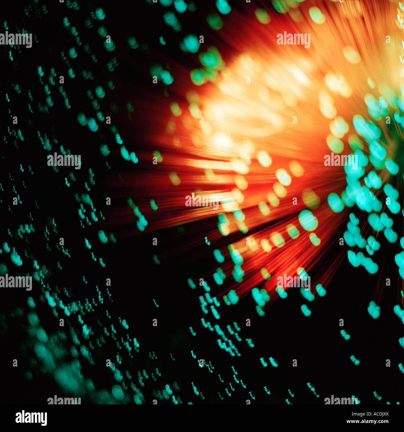 Fibre ottiche su uno sfondo nero. Immagini Stock