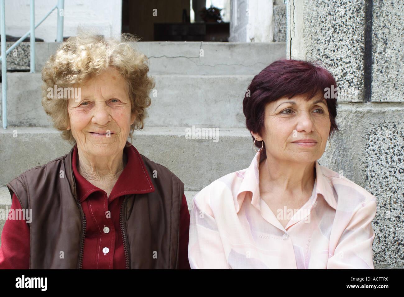 Due donne. Madre e figlia. Immagini Stock