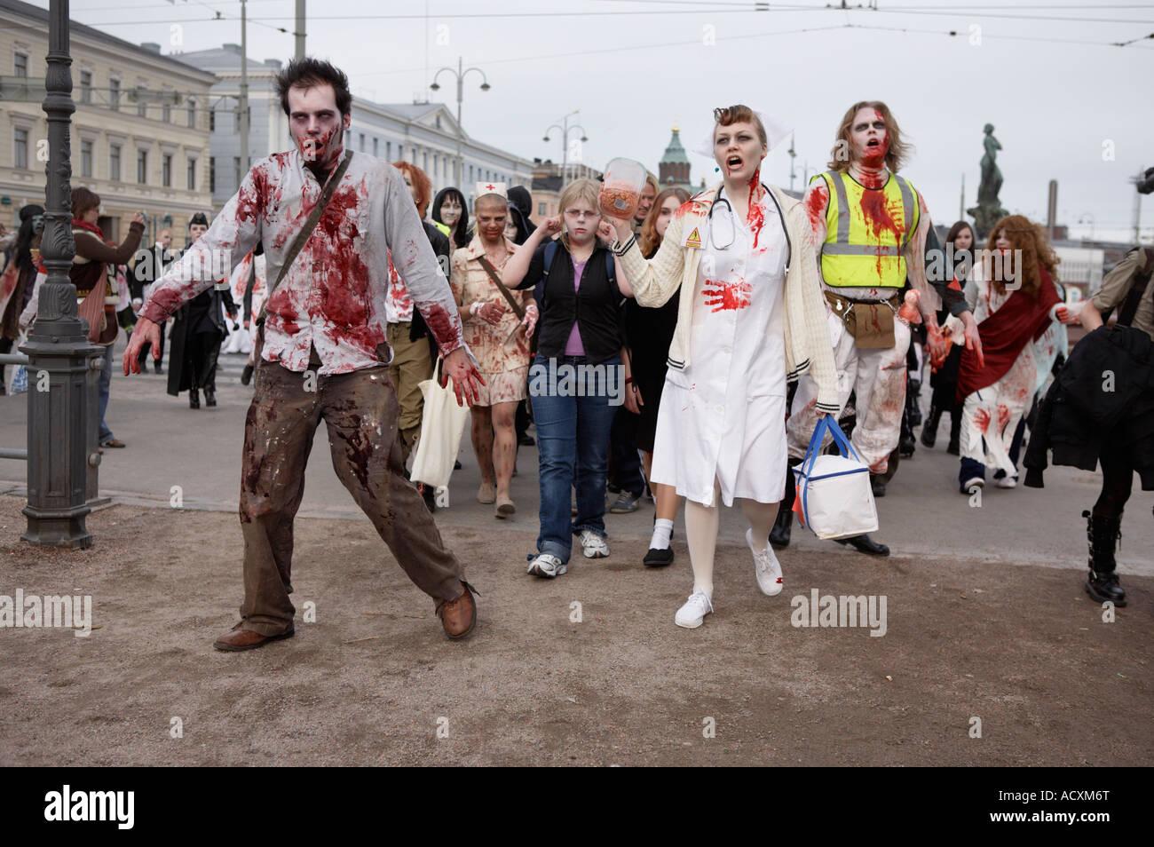 Uno zombie a piedi evento a Helsinki Foto Stock