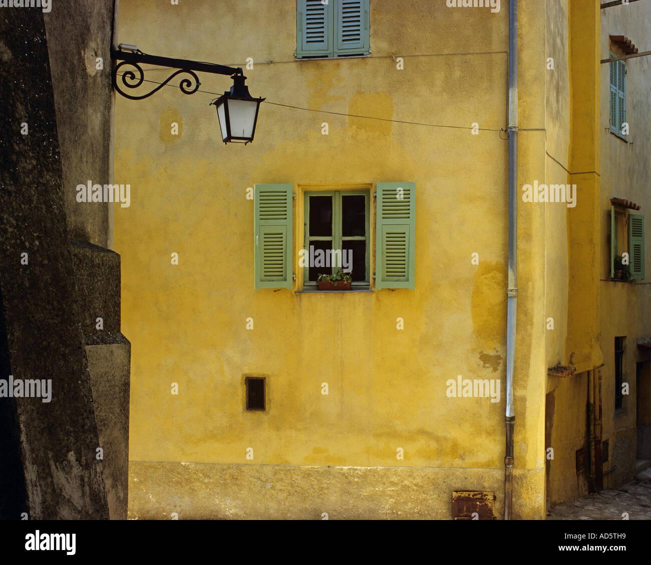 FR - Provence: tranquillo angolo di La Turbie Immagini Stock