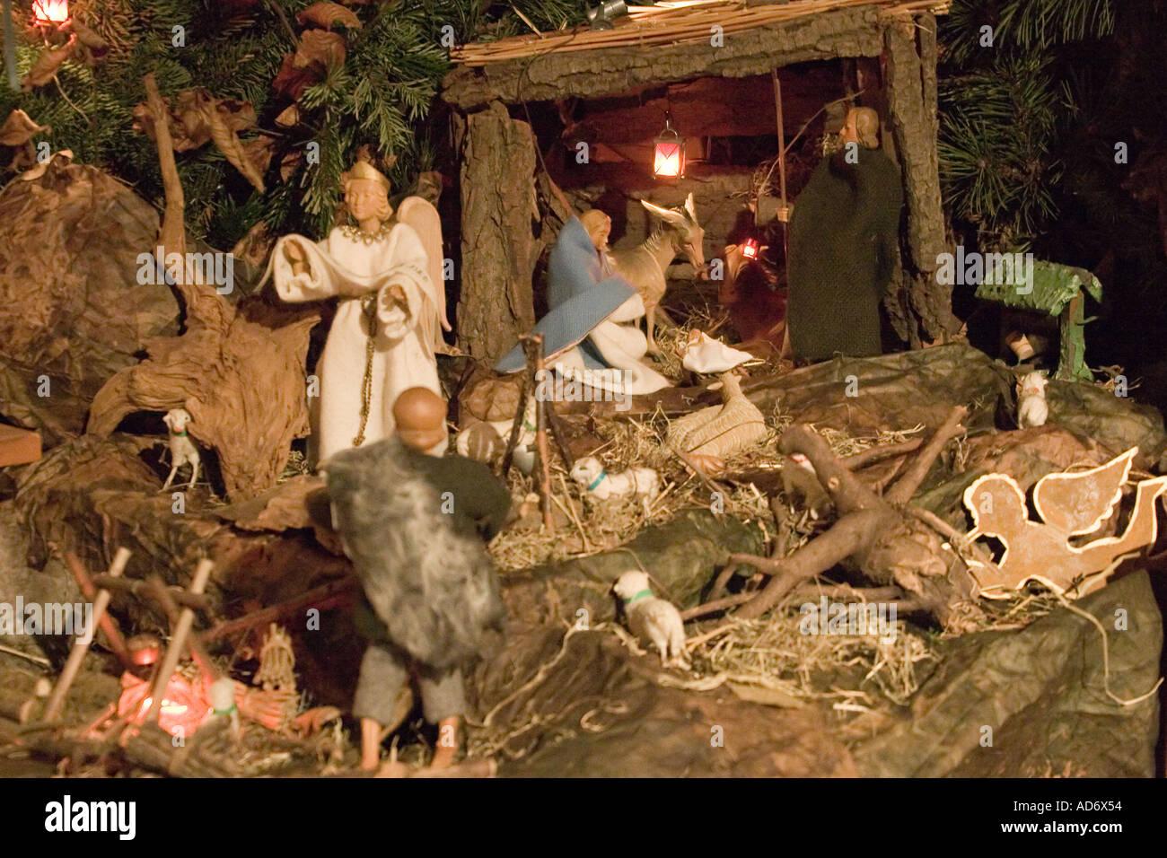 Tedesco tradizionale presepe natalizio scenario la chiesa for Casa tradizionale tedesca