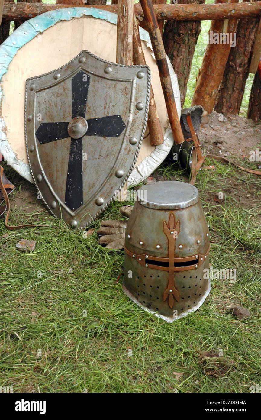 Festival scientifico a Varsavia - cavaliere casco, scudo e arma Immagini Stock