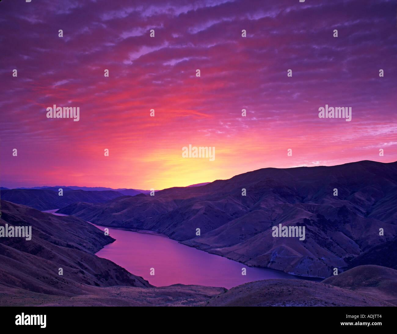 Sunrise e Snake River vicino a Richland Oregon disponibile come file tiff solo scansione Immagini Stock