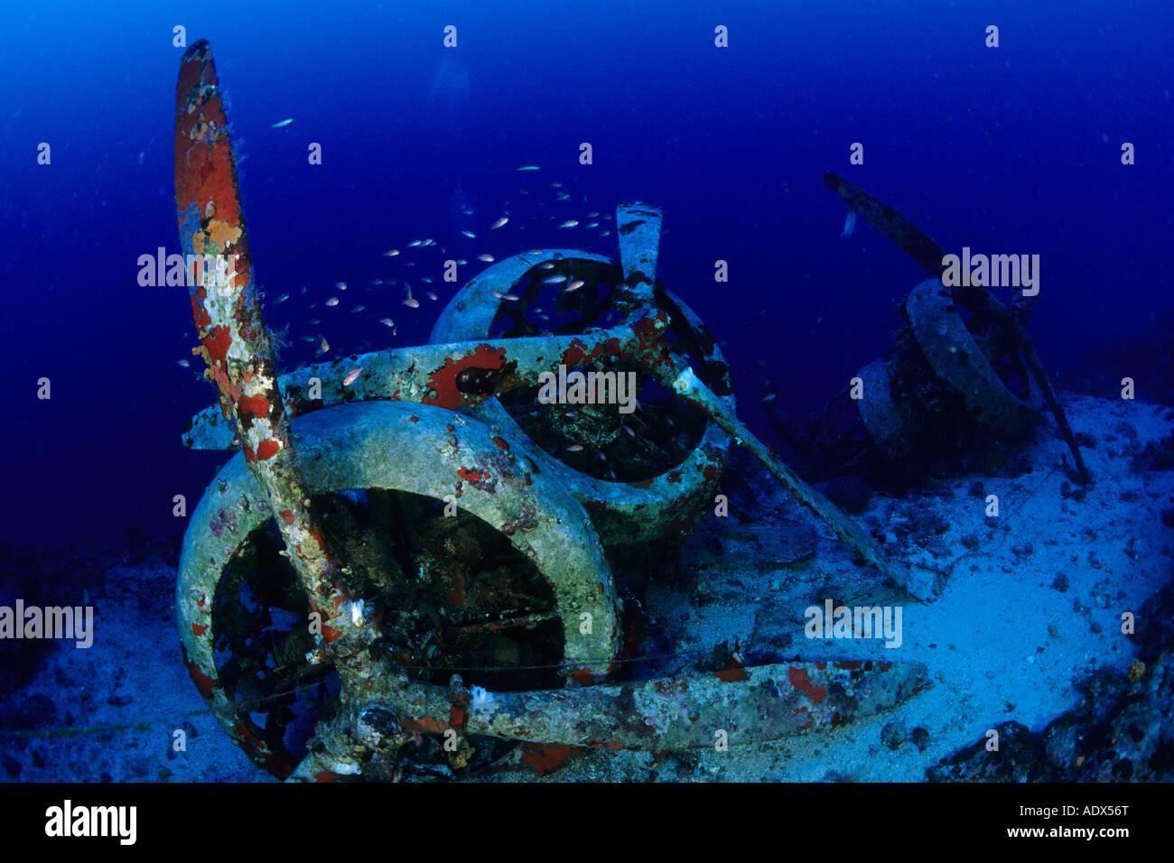 Scuba Diver al relitto aereo Savoia Marchetti SM 79 3 Kas Lycia Regione Mar Mediterraneo Turchia Immagini Stock