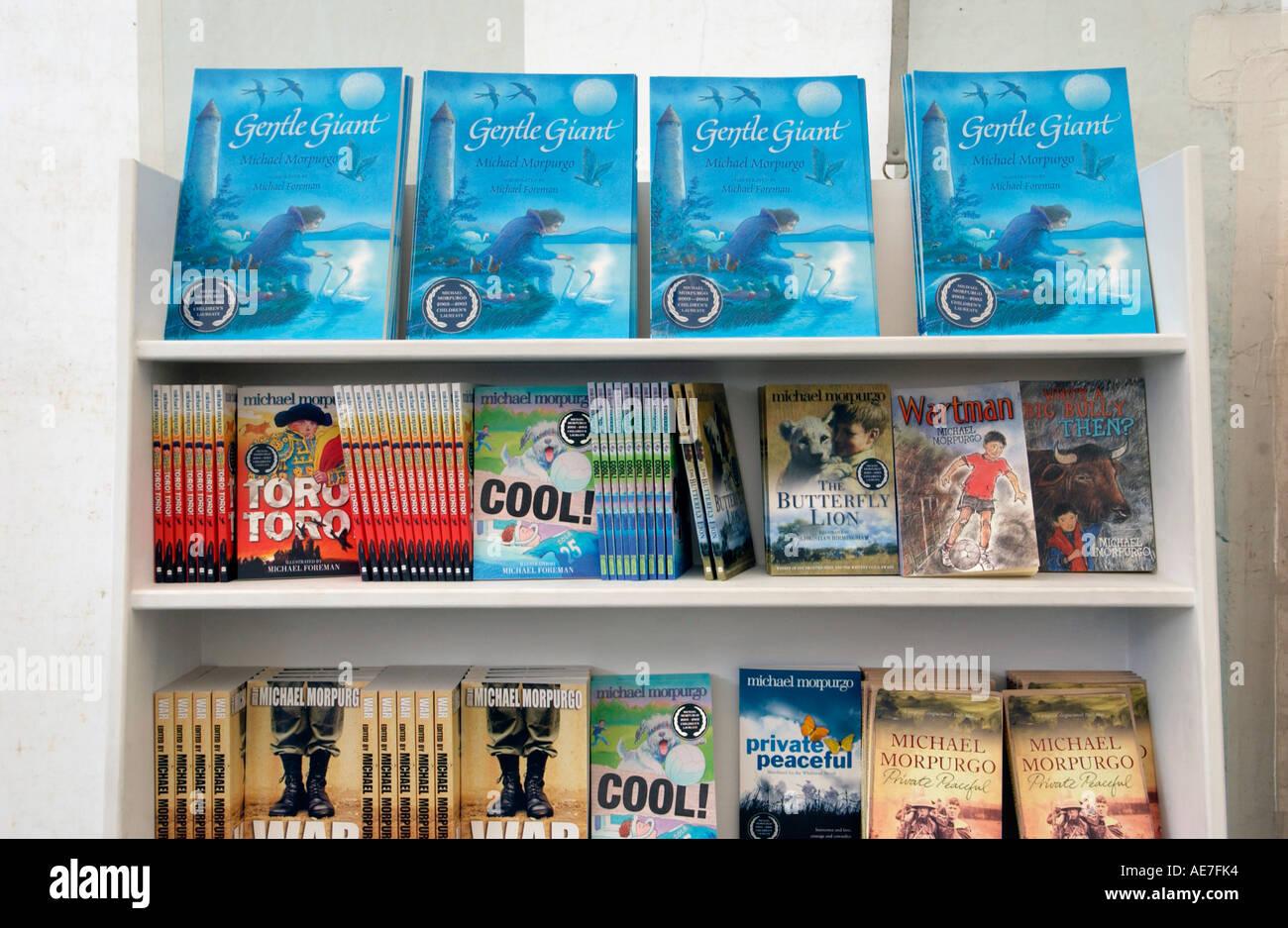 Scaffale Libreria Per Bambini : Tidy books la libreria montessoriana ed ecologica