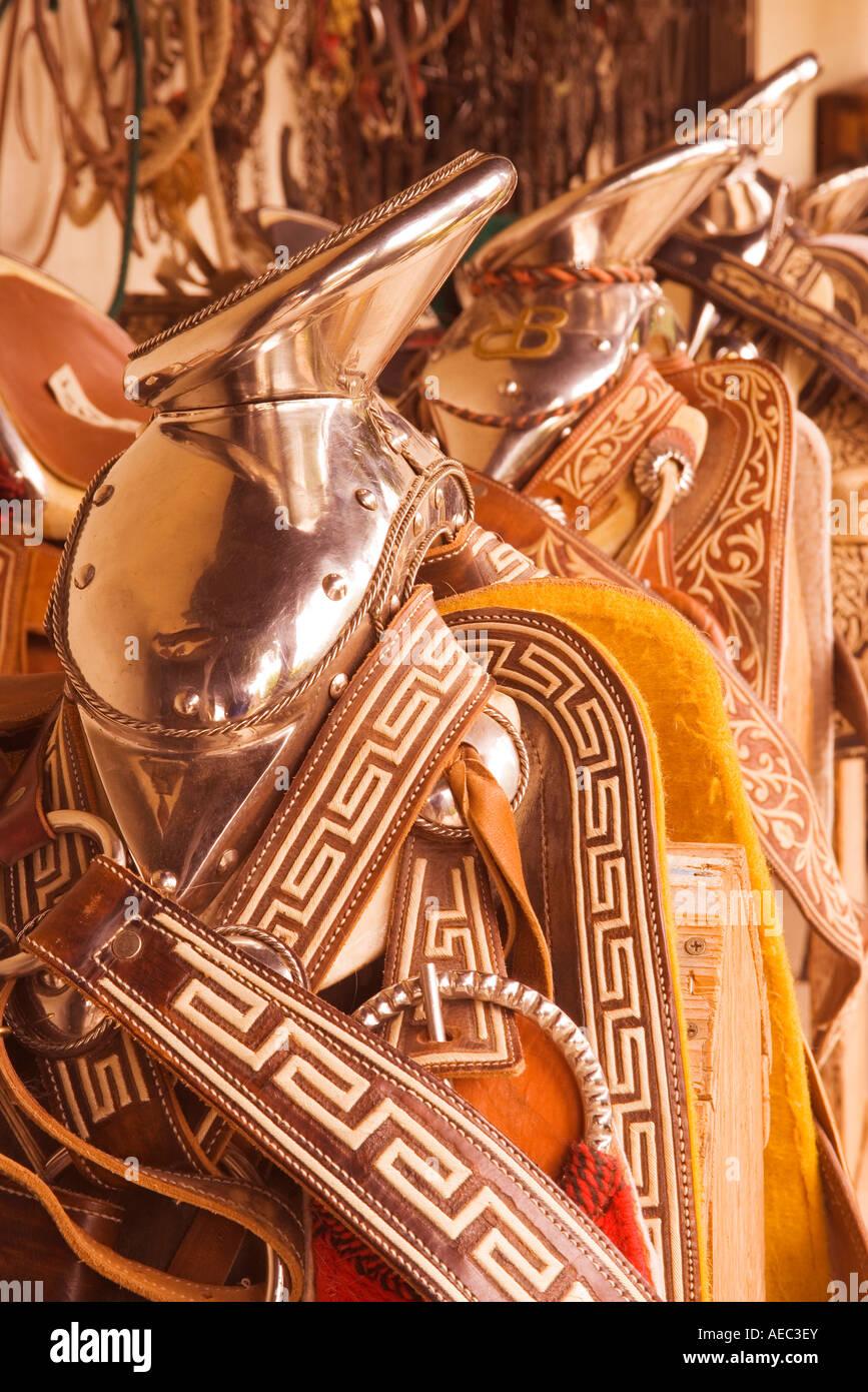 Argento ornato Western selle Vaquero Visualizza Santa Ynez Valley Historical Society Santa Ynez California Immagini Stock