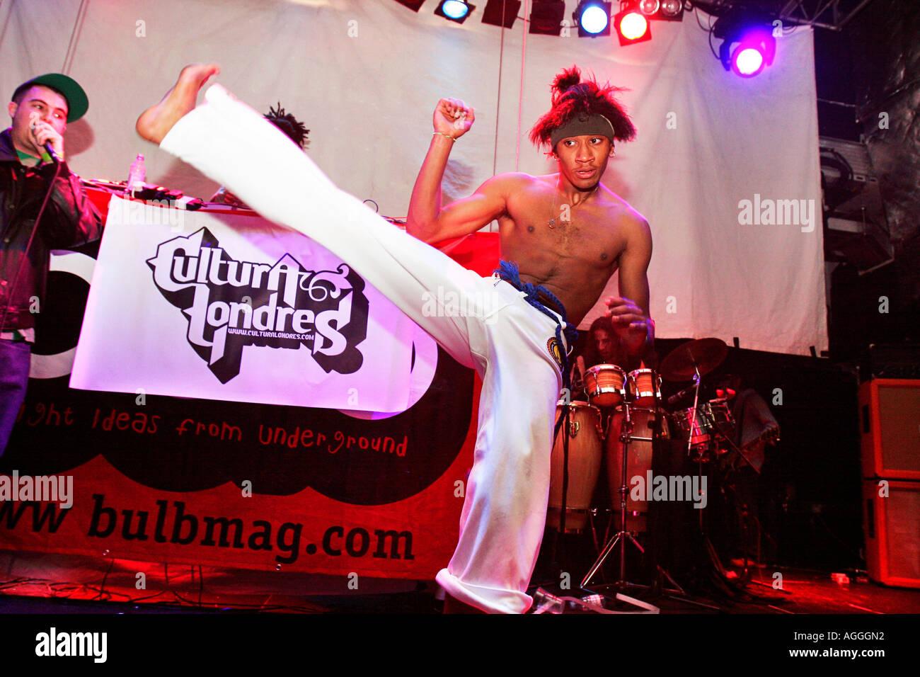 Cultura Londres live al Latin hip hop e Reggaeton Festival presso il  Carling Academy Islington Londra abfb906392fb