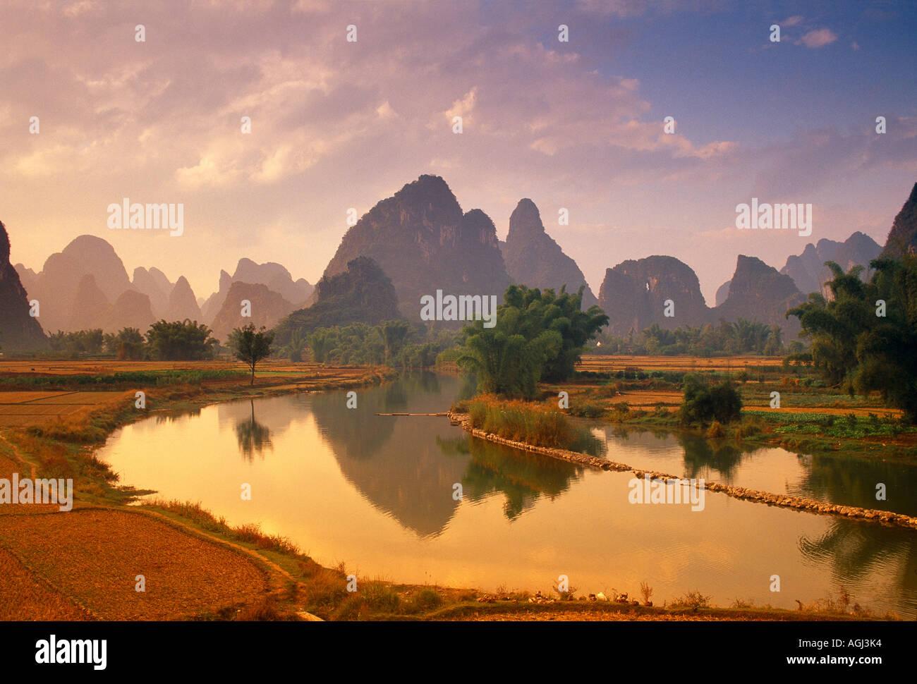 Fiume Li nr Yangshou provincia di Guangxi Cina Immagini Stock