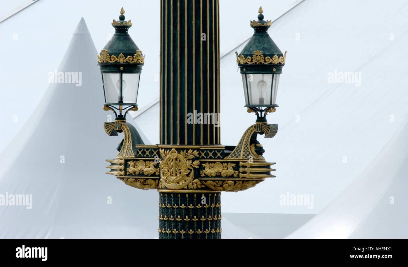 Paris ornano la lampada di illuminazione post di place de la