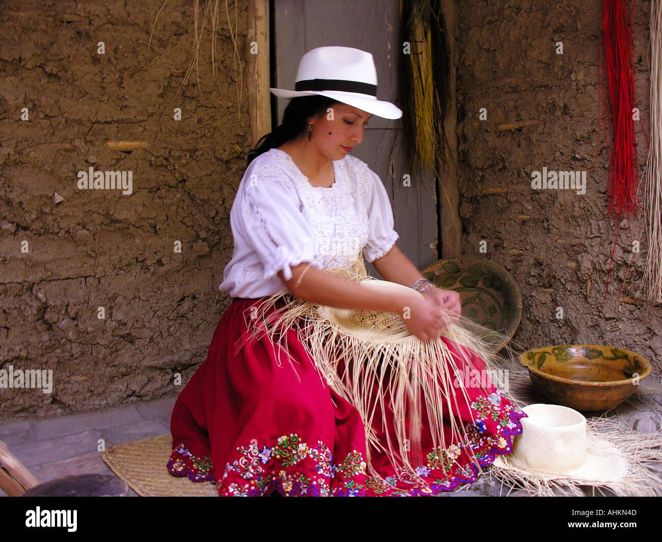 Donna che fa il cappello di Panama bc9678d2e988