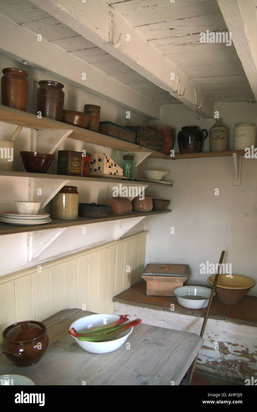 SCULLERY cucina di un inglese terrazza casa risalente al 1910. BLACK ...