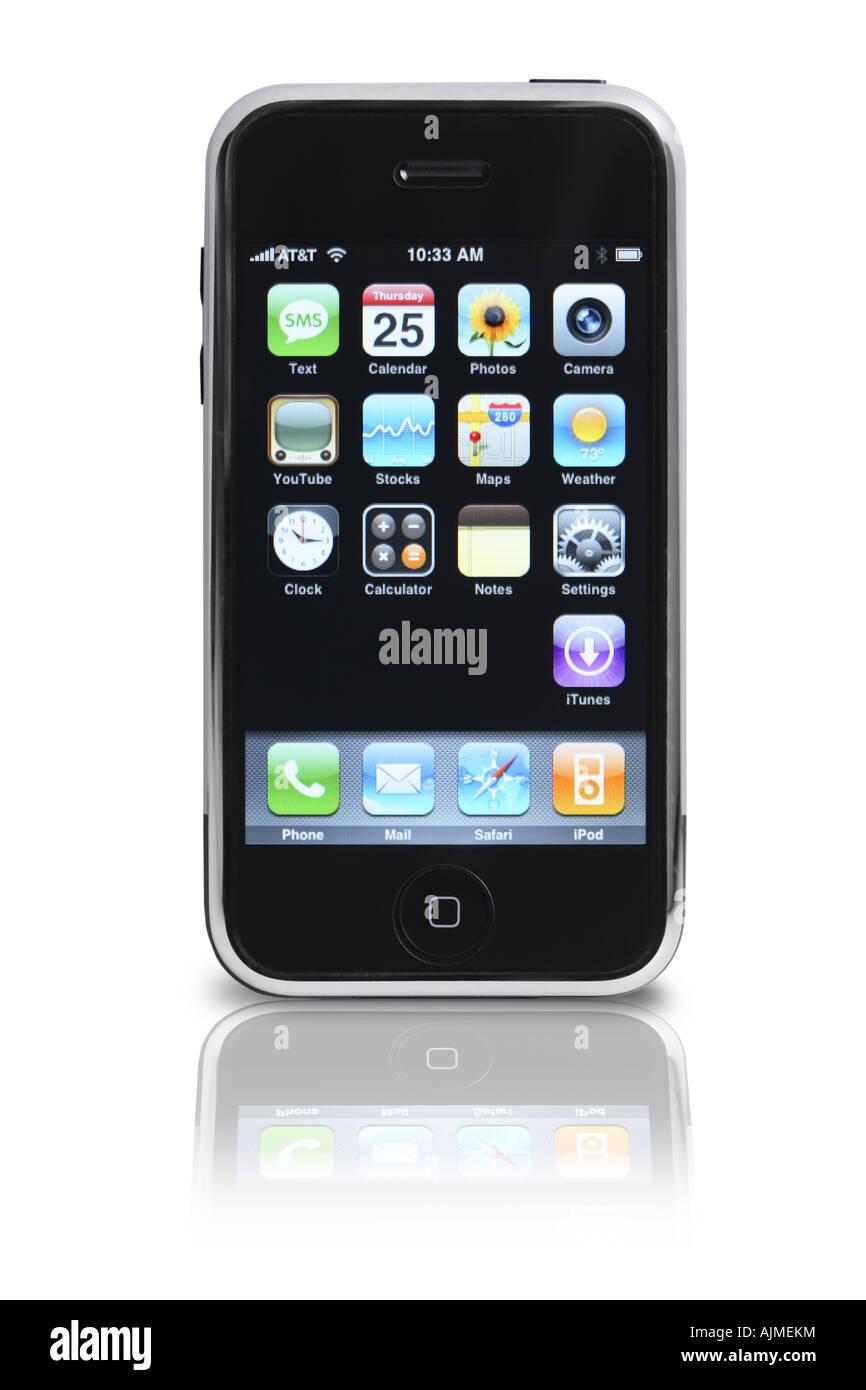 Apple iphone sulla superficie riflettente ritagliata su sfondo bianco Immagini Stock