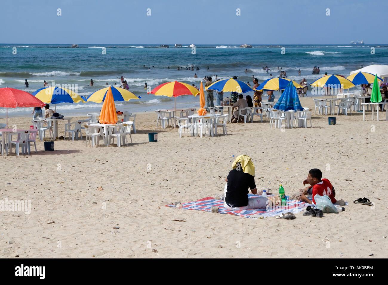 Risultati immagini per spiagge libiche giocano