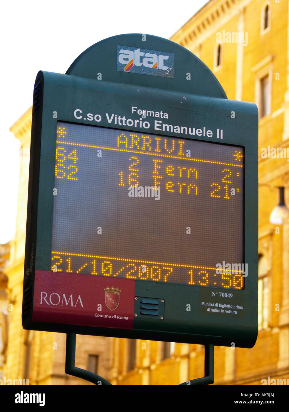 ATAC bus elettronico il segnale di arresto Roma Italia Immagini Stock