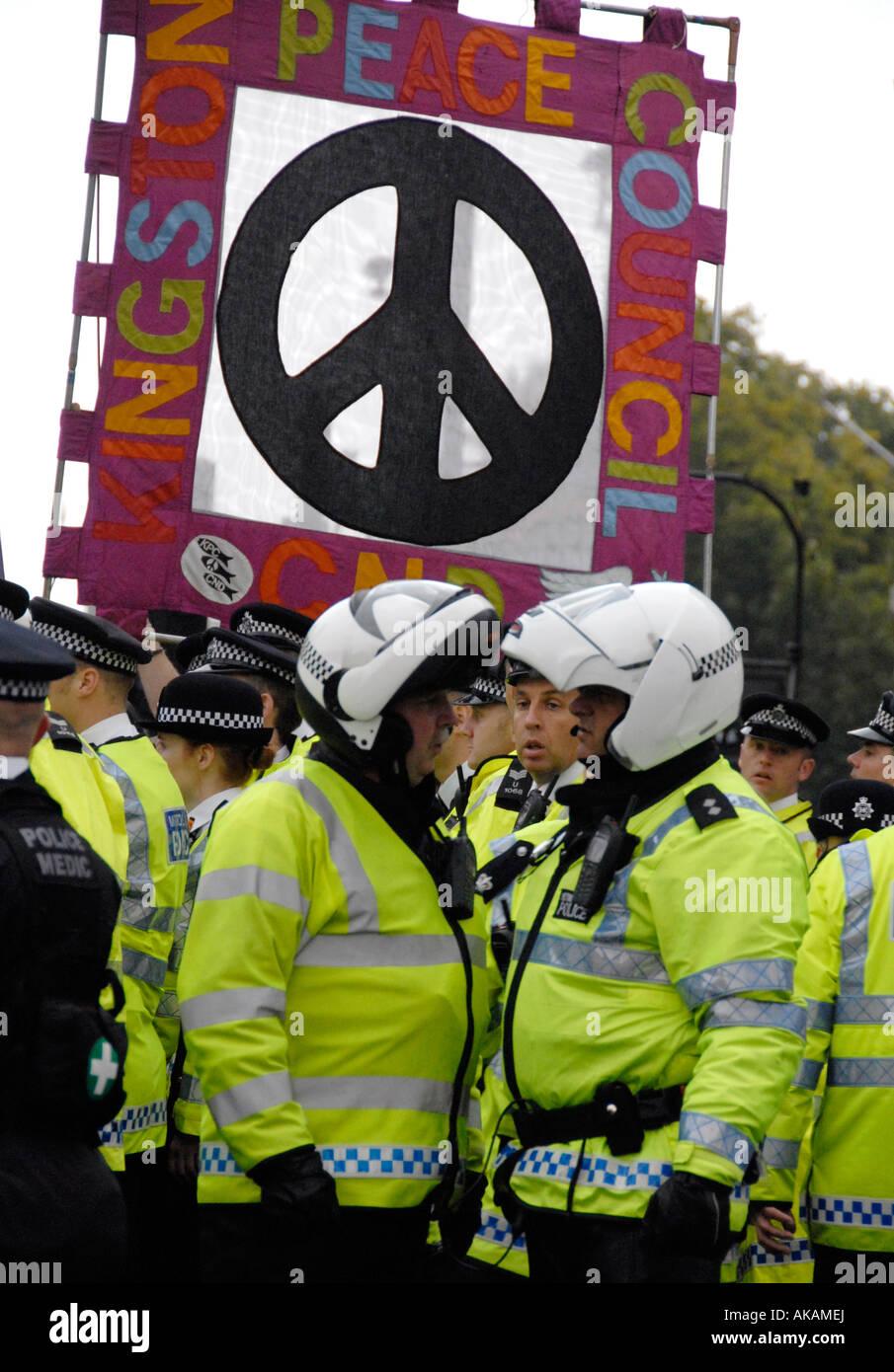 Fermare la guerra di dimostrazione 8 Ott 2007 che inizialmente è stato vietato ma terminava con 5000 in marcia Immagini Stock