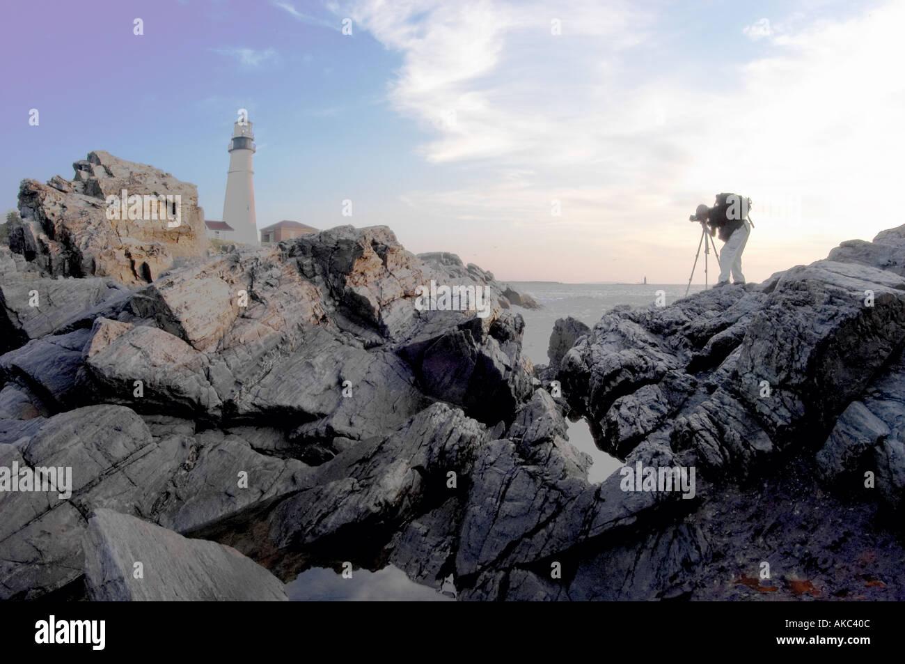 Fotografo di scattare una foto di Portland Head Lighthouse Cape Elizabeth Maine New England USA Immagini Stock