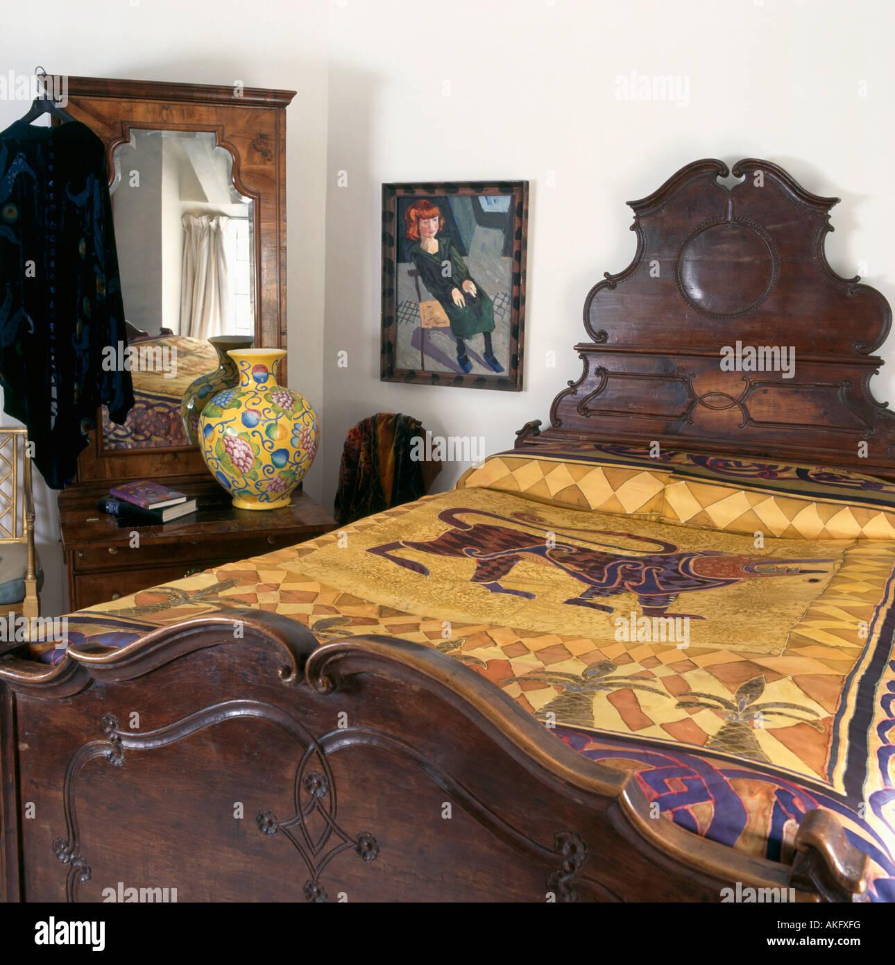 Bedrooms linen silk immagini bedrooms linen silk fotos stock alamy - Parete testata letto dipinta ...