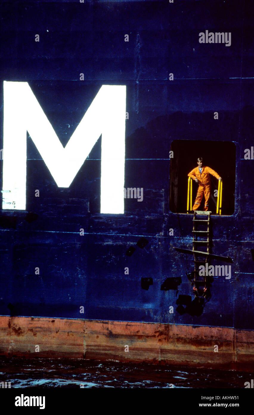 Ritratto di collare blu funzionante a wharf solo uso editoriale Immagini Stock