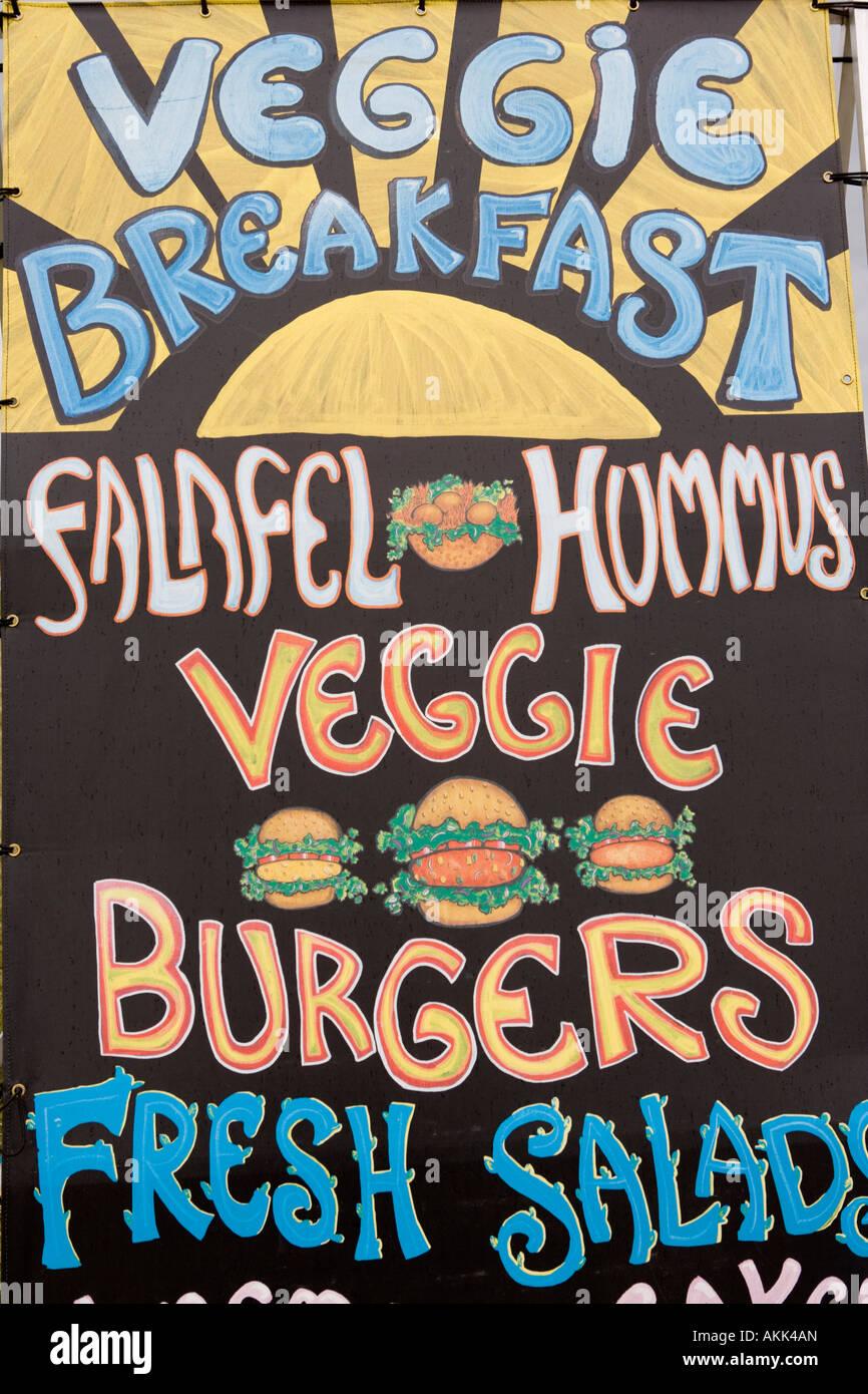 Interessante la tipografia writting pubblicità fast food cibo vegetariano a Wickerman Music Festival Dundrennan Immagini Stock