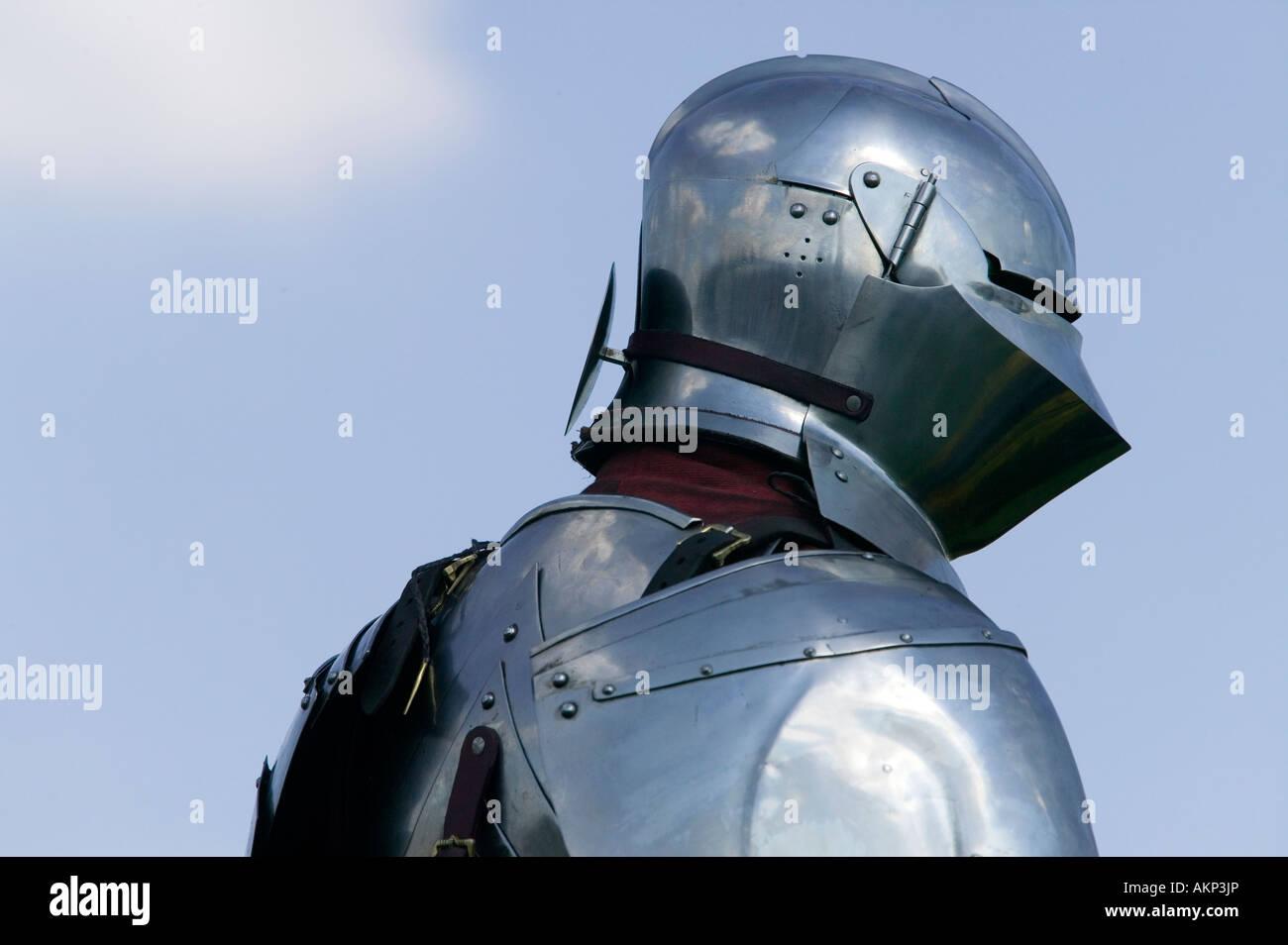 Cavaliere medievale in armatura Immagini Stock