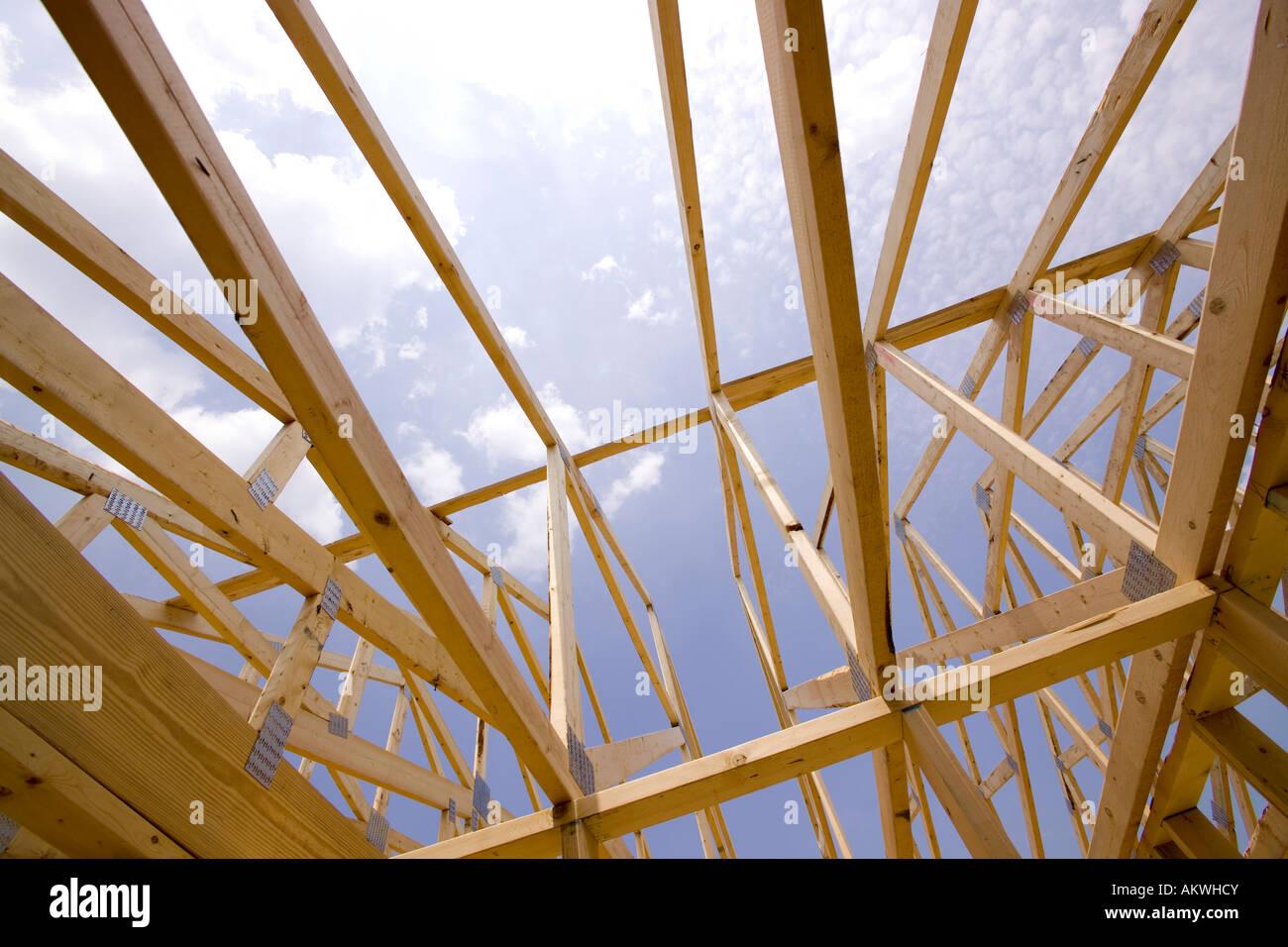 Incorniciatura di legno per la nuova casa Immagini Stock