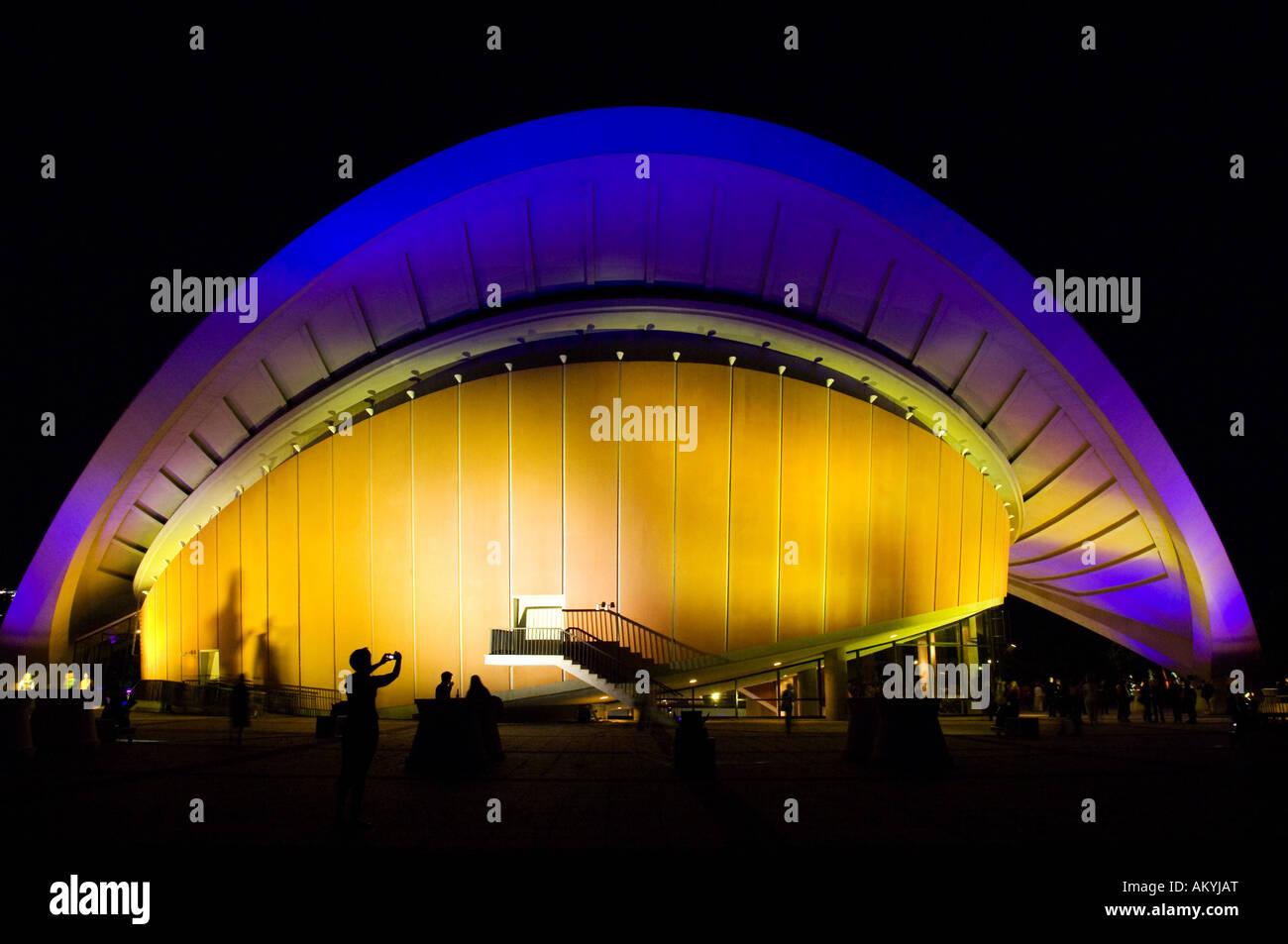 In serata, la Casa delle Culture del Mondo, Berlino, Germania Immagini Stock