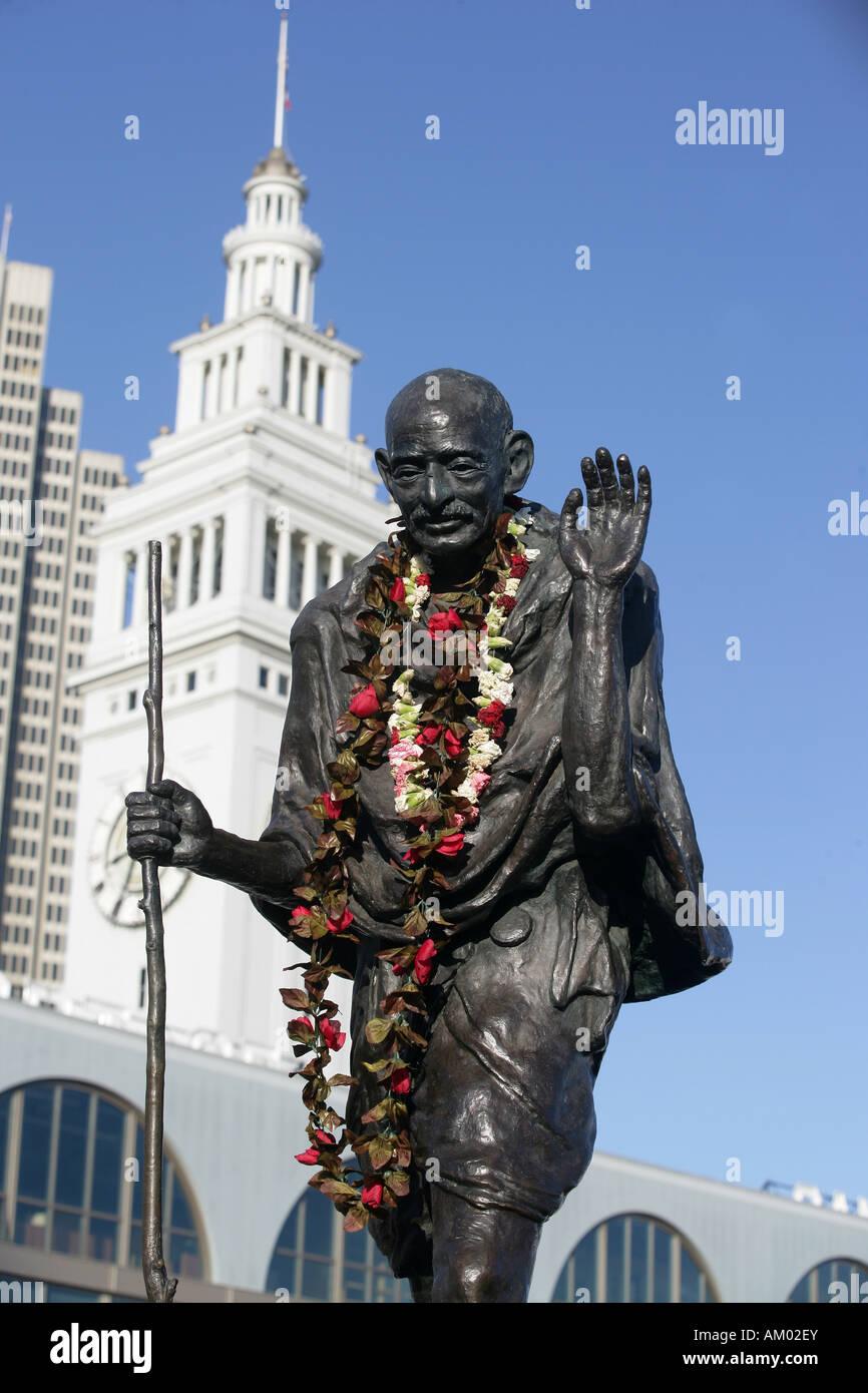 La statua del pacifista e attivista per i diritti umani del Mahatma Gandhi in San Francisco California, Stati Uniti Immagini Stock