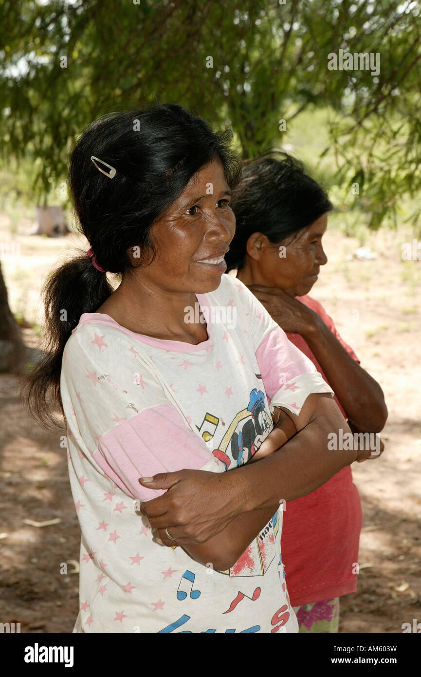 Donna, Vivaclé-indiani, Jothoisha, Chaco, Paraguay Foto Stock