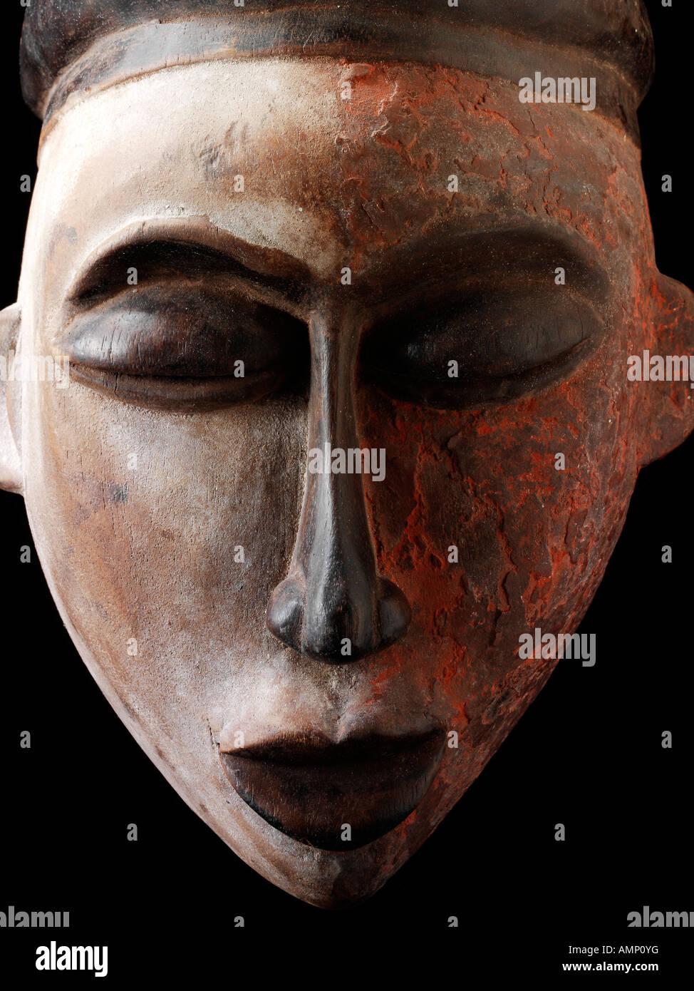 Etnica africana tradizionale maschera. Arte e artigianato. Immagini Stock