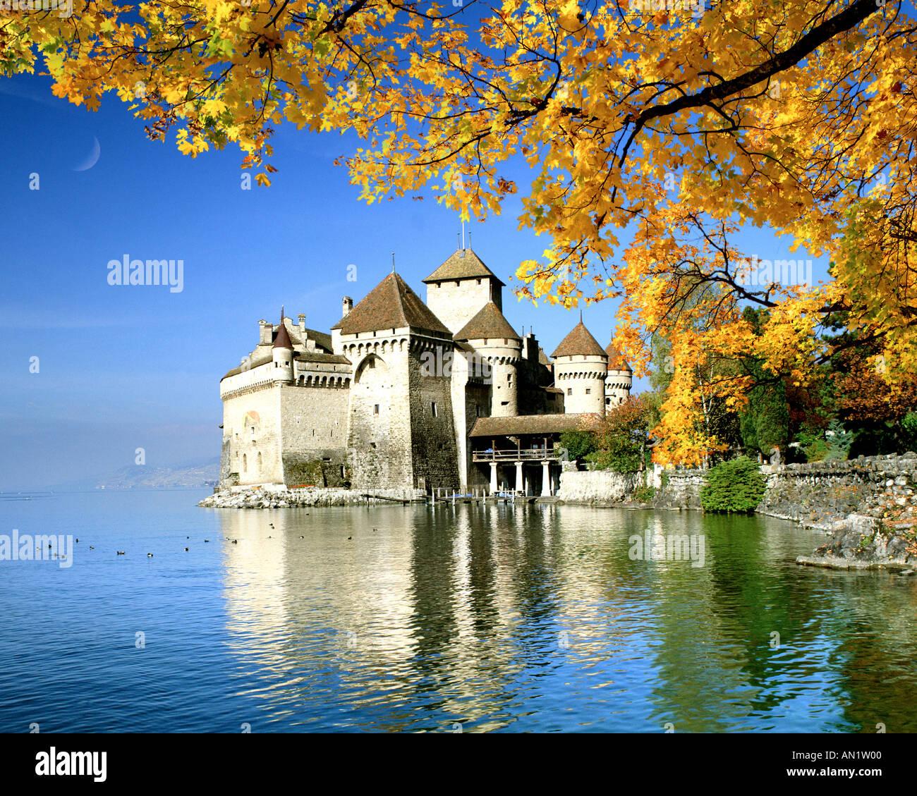 CH - Vaud: Chateau de Chillon sul lago di Ginevra Immagini Stock