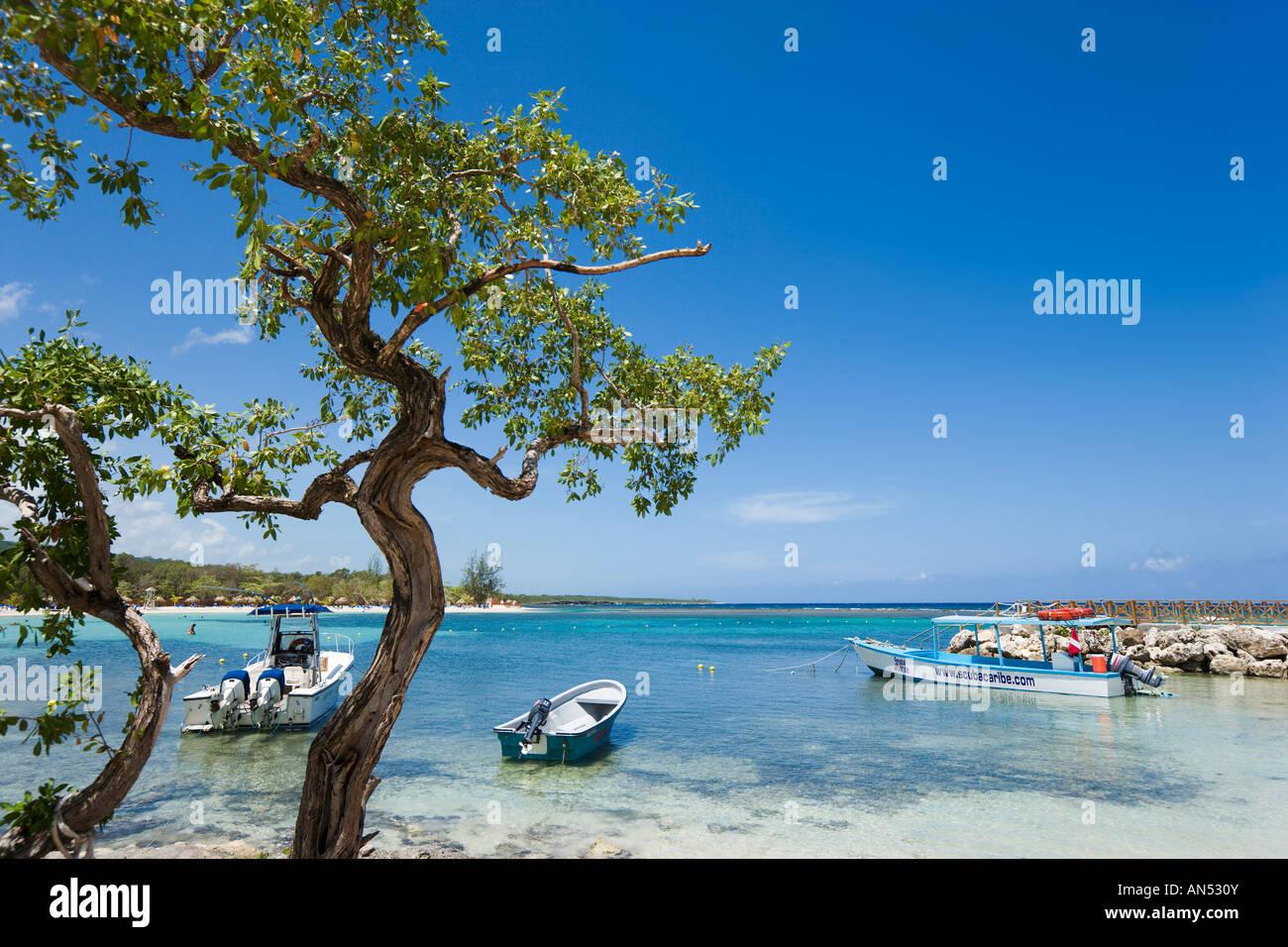 Spiaggia a Gran Bahia Principe Resort, Runaway Bay, a nord della costa, in Giamaica, Caraibi, West Indies Immagini Stock