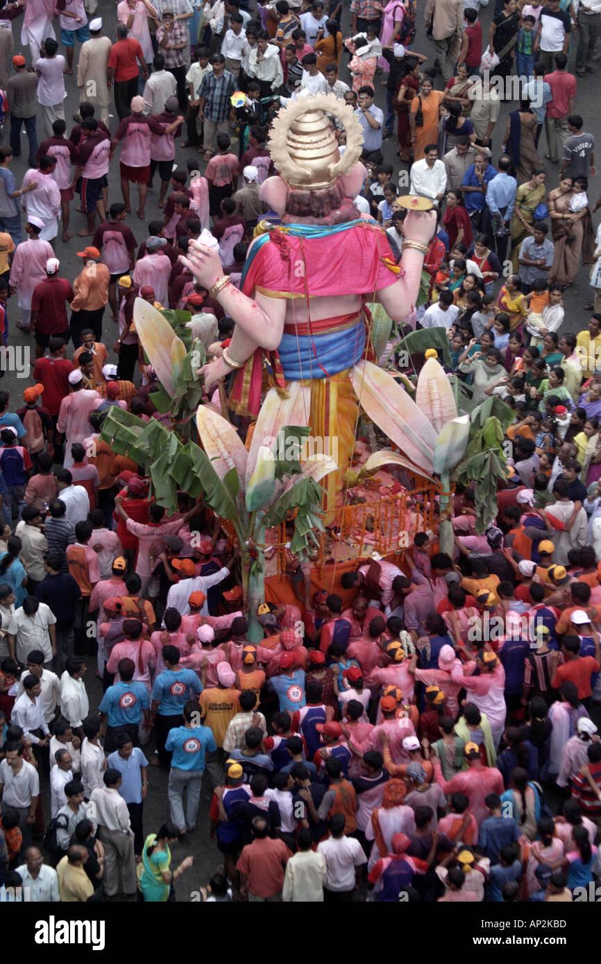 AAD72369 Ganesh festival specchietto Mumbai India Maharashtra Immagini Stock