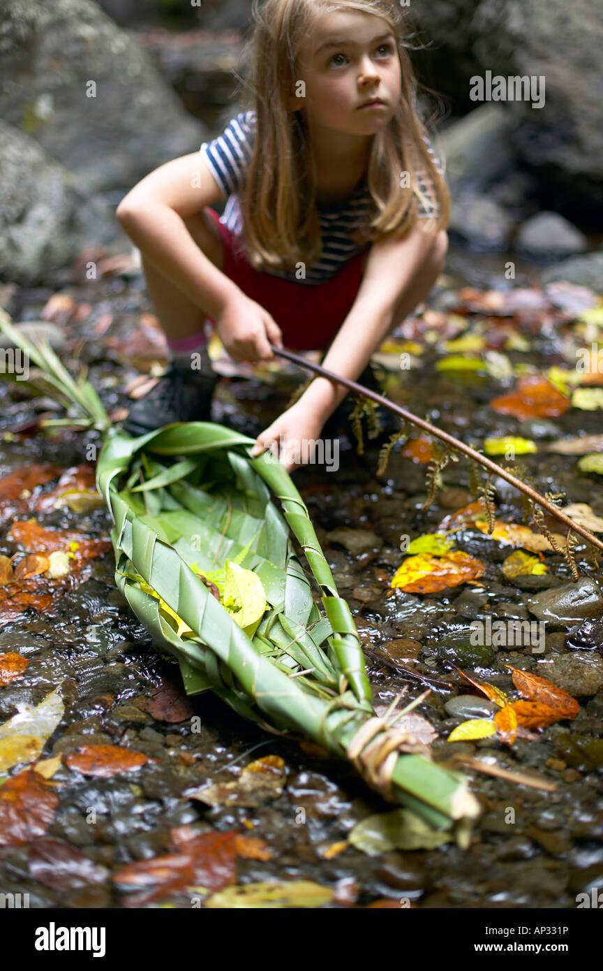 Giorno di nuovi anni: self-made in barca (Nuova Zelanda flachs) porterà i nostri auguri per l'anno, Cascades, Immagini Stock