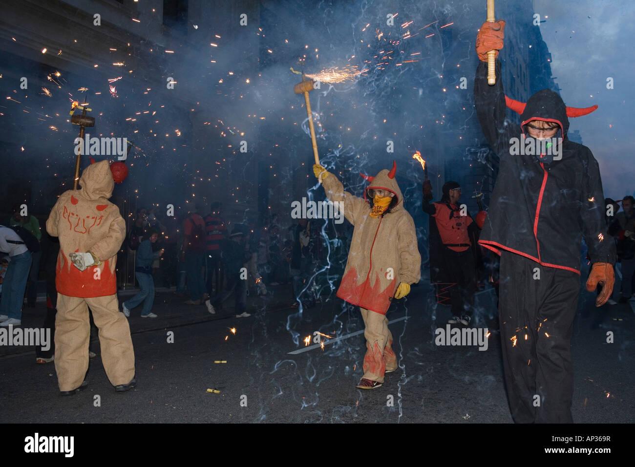 Correfoc, fuochi d'artificio, Festa de la Merce, festa della città, Settembre, Barri Gotic, Ciutat Vella, Immagini Stock