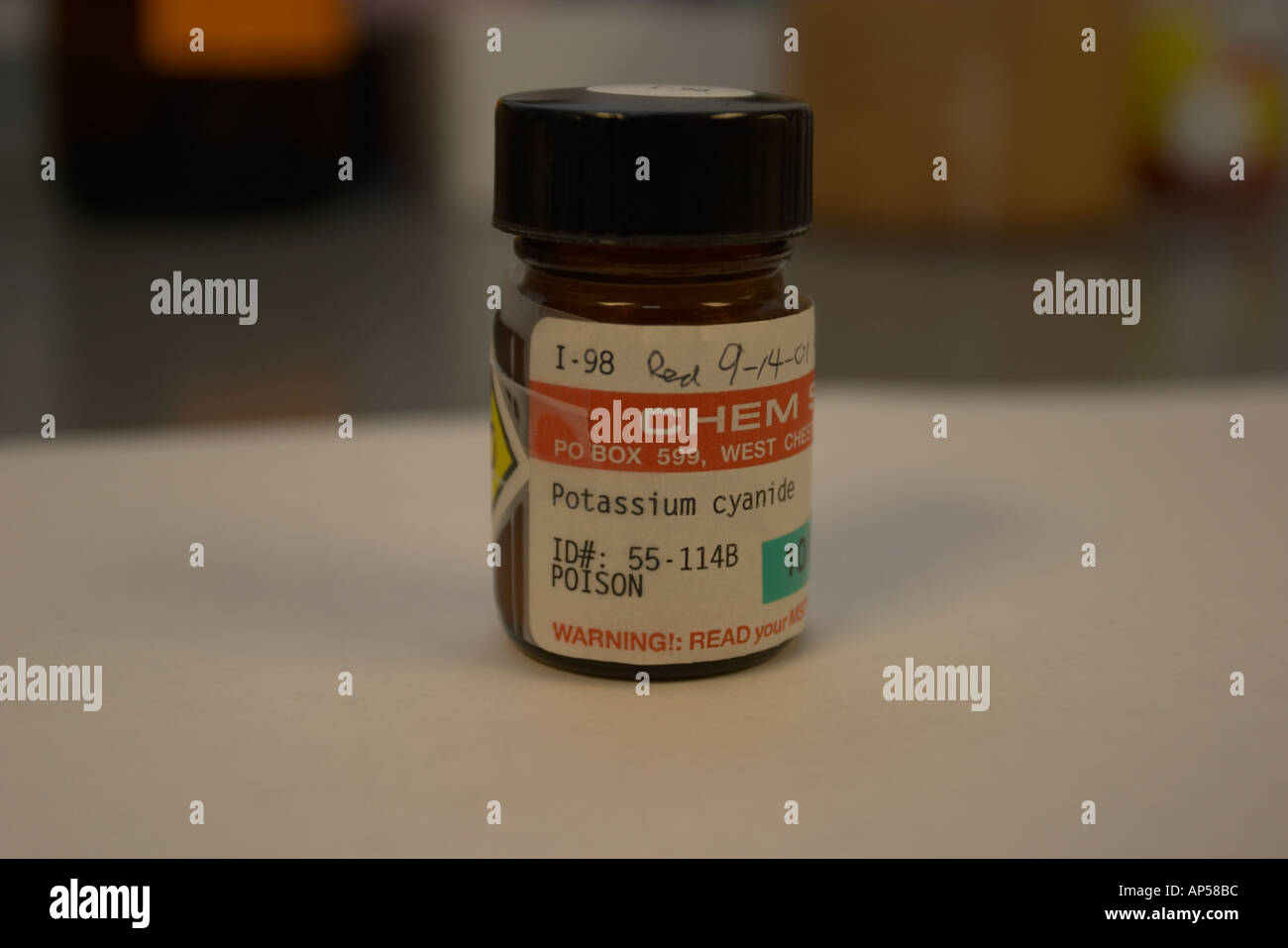 Il cianuro di potassio veleno Foto   Immagine Stock  1464507 - Alamy 6d350b2b939
