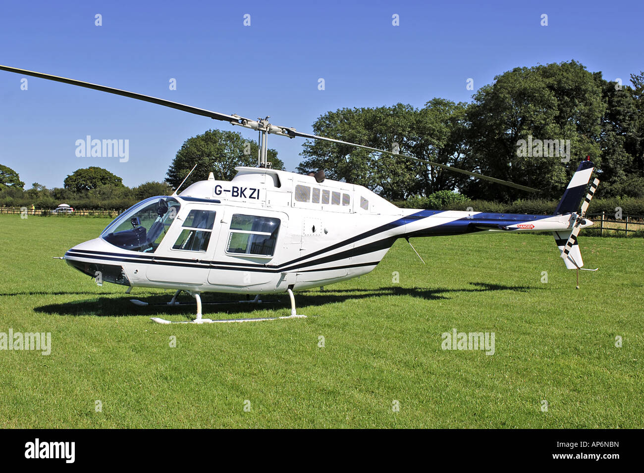 Elicottero Jet Ranger : G bkzi bell b jetranger ii elicottero foto immagine stock