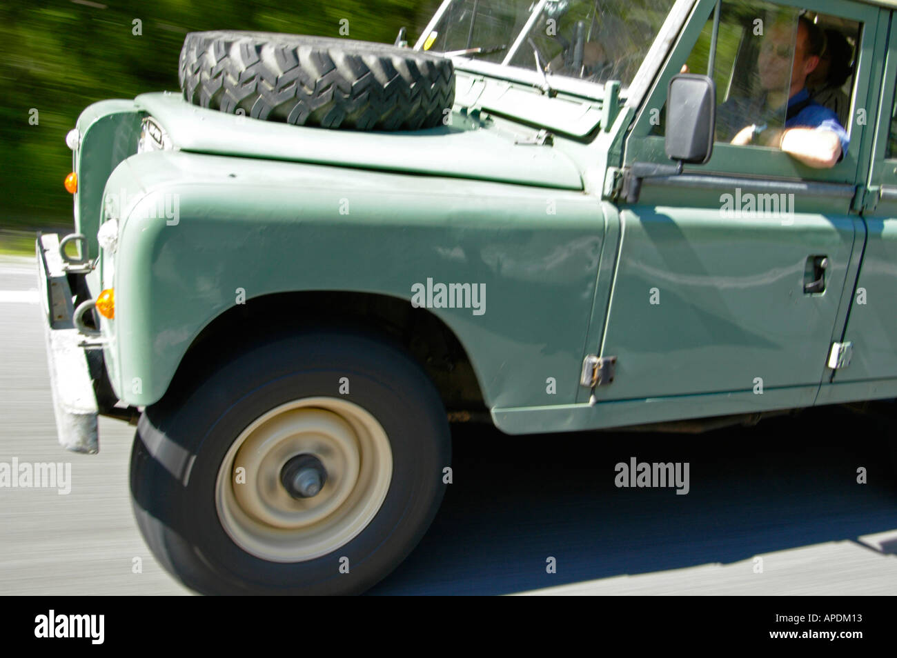 LAND Rover Serie 2A /& 3 STATION WAGON 5 PORTE 109 LWB NUOVO ALETTONE POSTERIORE