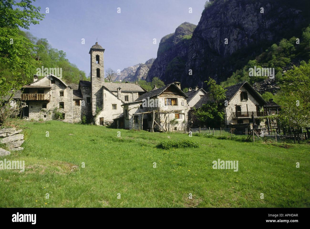 Case In Pietra Di Montagna : Geografia viaggi svizzera ticino val bavona foroglio europa