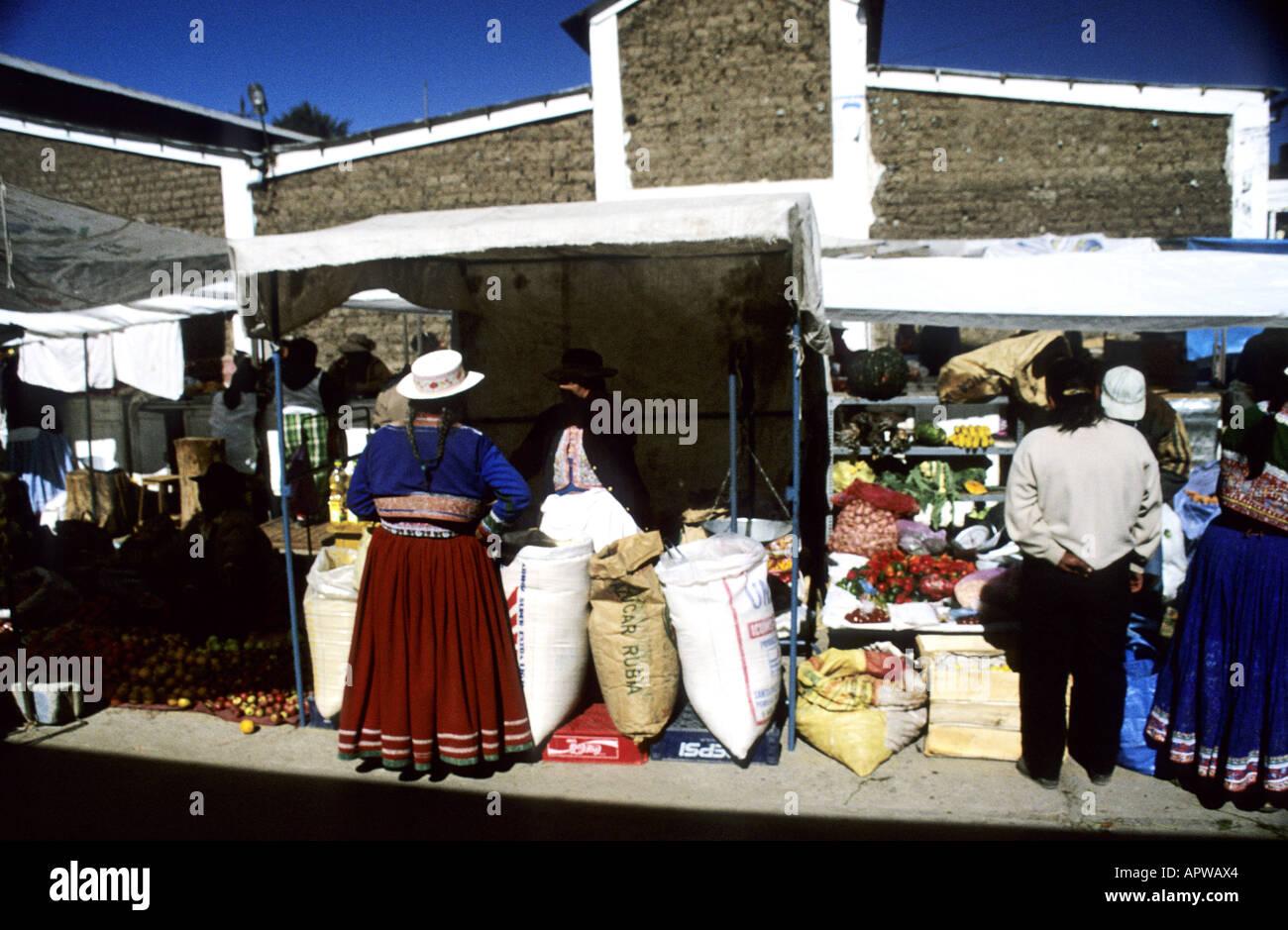 October 2000 Peru Immagini   October 2000 Peru Fotos Stock - Alamy 405c62ff82ac