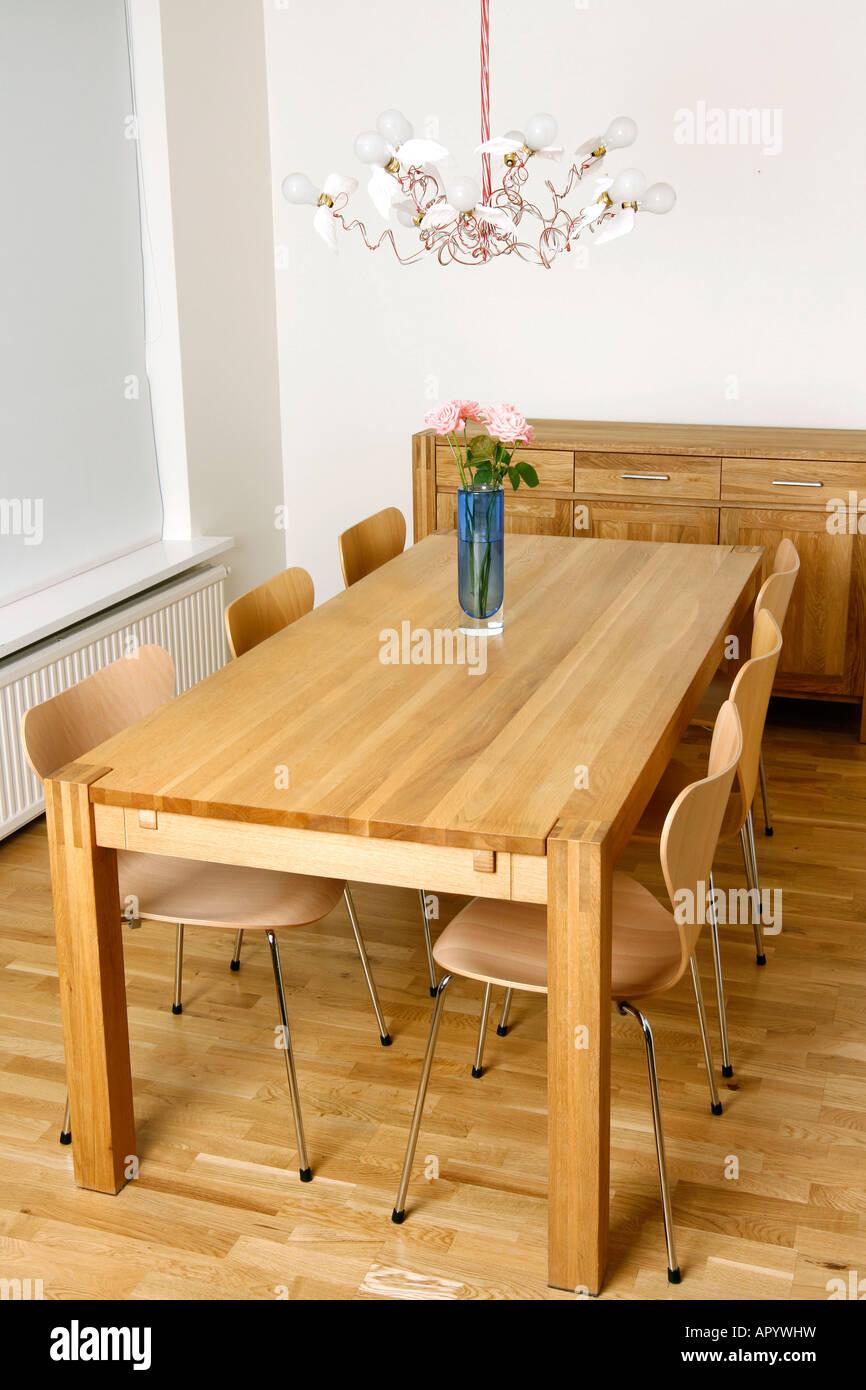 Top nuovo ed elegante sala da pranzo con mobili moderni with stanze da pranzo moderne - Stanze da pranzo ...