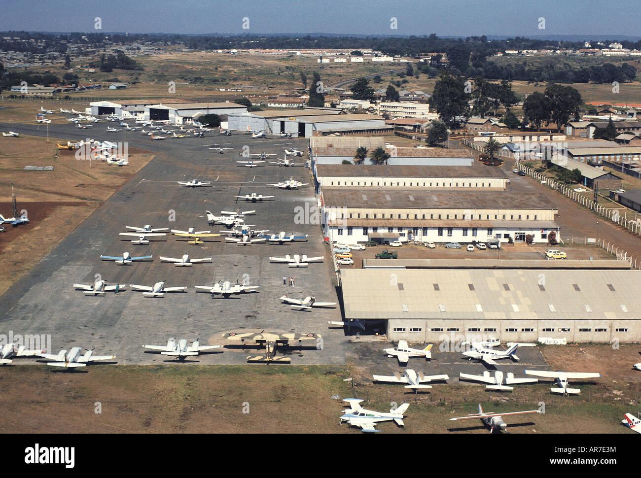 Aeroporto Kenya : Vista aerea dellaeroporto wilson di nairobi kenya africa orientale