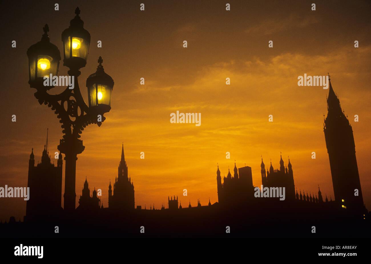 Case del Parlamento Westminster London UK Sunset Foto Stock