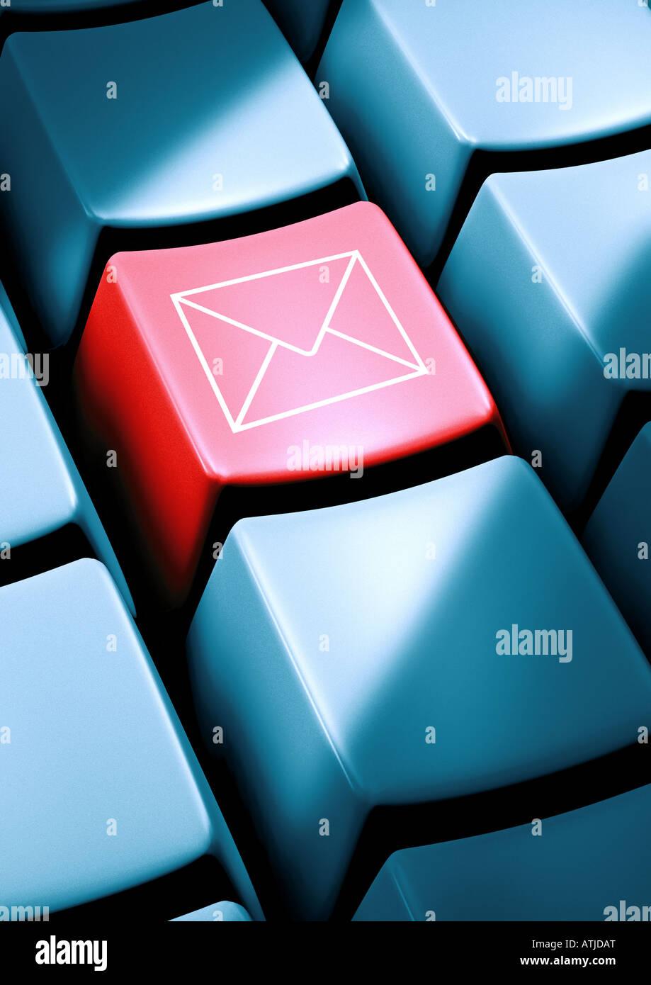 Simbolo di posta su un tasto Briefsymbol auf einer gusto Immagini Stock