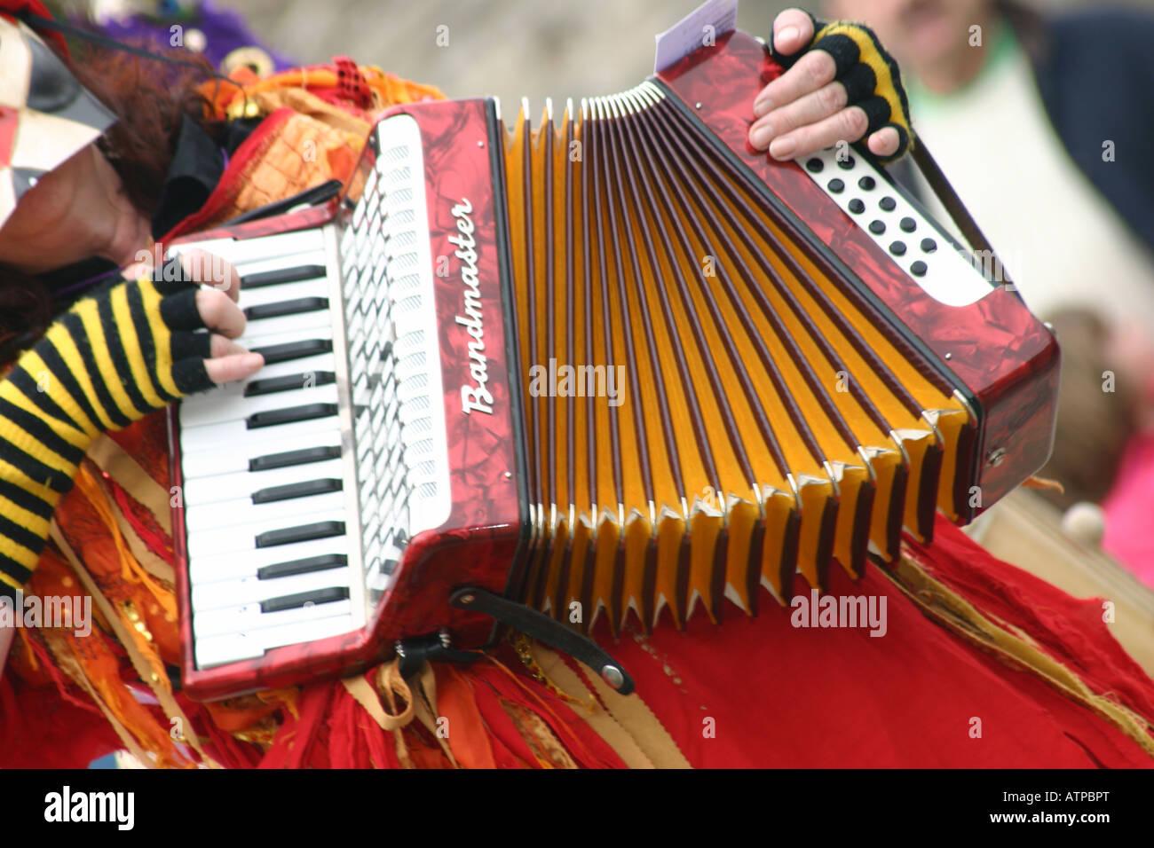 Festival spazia morris formare fisarmonica musicista del lettore Immagini Stock