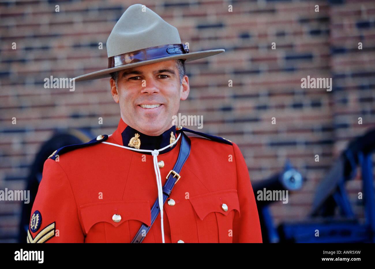 Policewoman Canada Immagini   Policewoman Canada Fotos Stock - Alamy 8b3399dc22c7